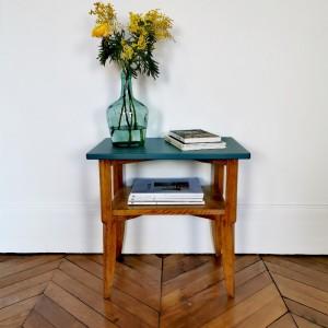 Table d'appoint en bois années 50
