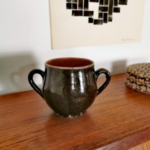Petite poterie ancienne marron