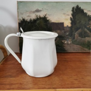 Pot ancien émaillé