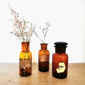 Flacons anciens de pharmacie