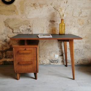 Grand bureau en chêne ancien