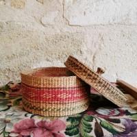 Boites anciennes en vannerie