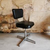 Chaise d'atelier industrielle métal et skaï noir