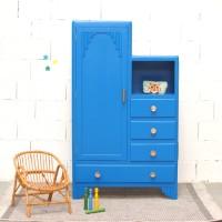 Armoire asymétrique bleu indigo