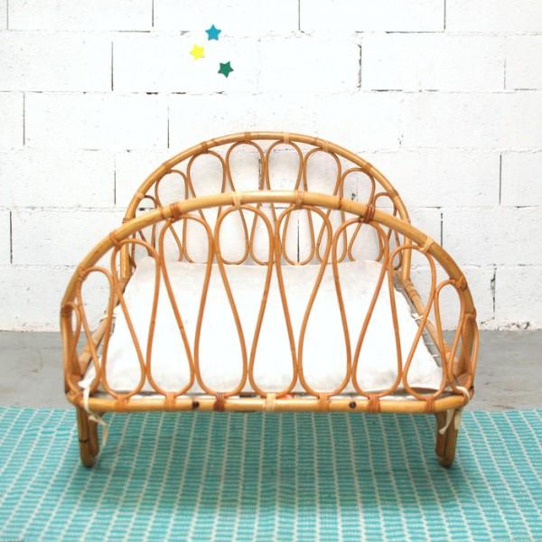 lit corbeille en rotin. Black Bedroom Furniture Sets. Home Design Ideas