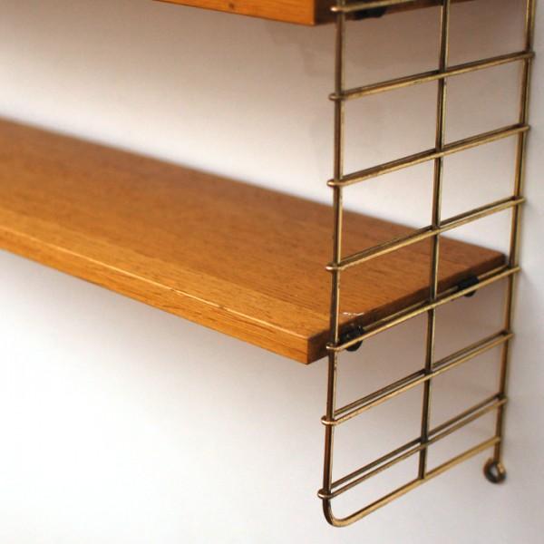 etag re en bois et m tal dor. Black Bedroom Furniture Sets. Home Design Ideas