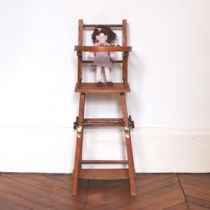 Chaise haute de poupée