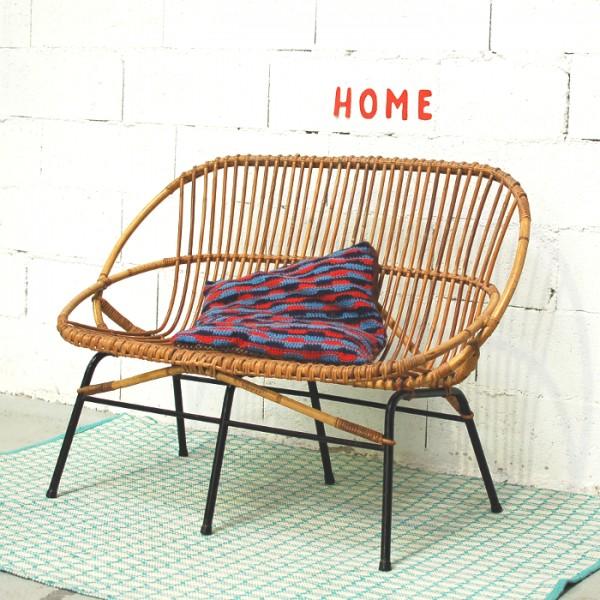 banquette en rotin et m tal. Black Bedroom Furniture Sets. Home Design Ideas