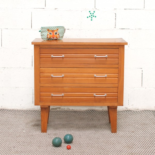 petite commode ann es 50. Black Bedroom Furniture Sets. Home Design Ideas