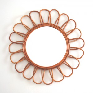Grand miroir fleur en rotin