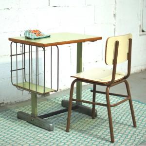 Bureau et chaise métal