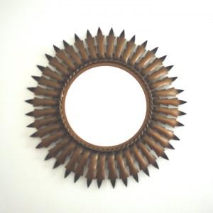 Miroir soleil en métal doré 1