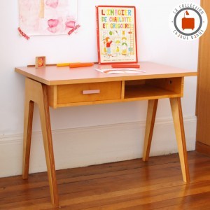 Bureau Gaston Medium rose 1