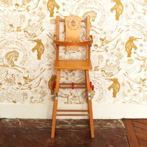 Chaise haute de poupée ancienne 1