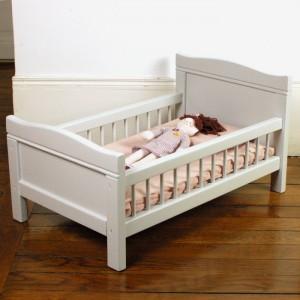 Petit lit de poupée ancien Fil de lin 1