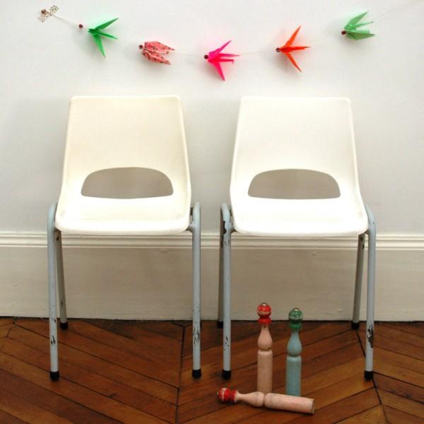 chaise plastique pi tement gris chahut bahut. Black Bedroom Furniture Sets. Home Design Ideas