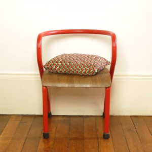 Chaise Mullca 300 rouge 1
