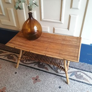 Table basse en rotin 1