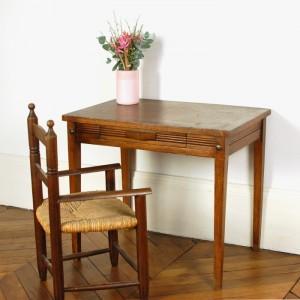 Table ancienne et chaise paillée 1