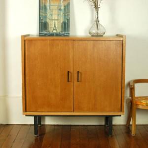 Petit meuble moderniste 1