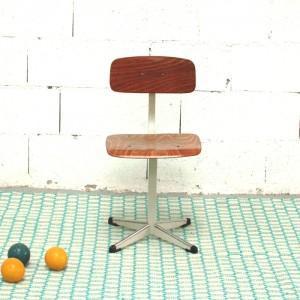 Chaise d'atelier vintage 1