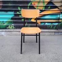 Chaise métal et bois contreplaqué