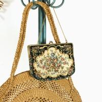 Petit sac en tapisserie vintage