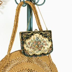 Petit sac en tapisserie vintage 1