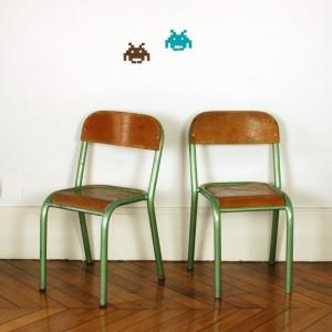 Petites chaises d'école vert métallisé
