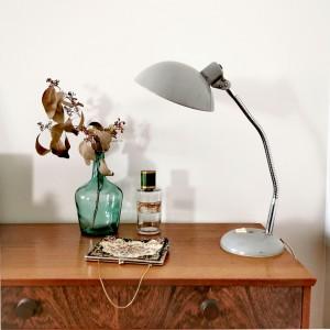 Lampe en métal gris ancienne 1