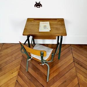 Ensemble bureau et chaise d'école vintage 1