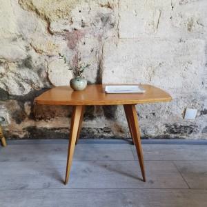Petite table basse en hêtre vintage