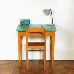 Pupitre vert olive et sa chaise